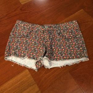 Other - mudd floral shorts