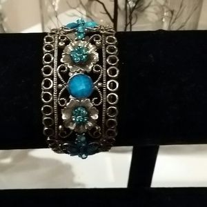 Antique Gold  tone cuff Bracelet Never worn
