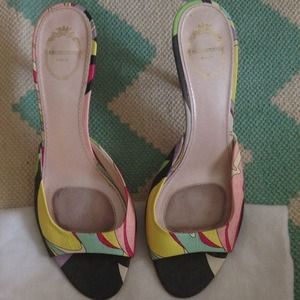 Shoes - Stunning AUTHENTIC PUCCI MULES
