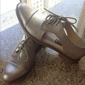Steve by Steve Madden Allovr Cut Out Oxford