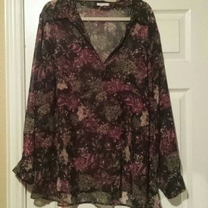 Tops - Beautiful Floral Plus Size shirt