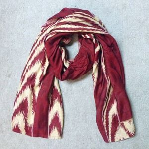 Pashmina scarf with slotted sleeves