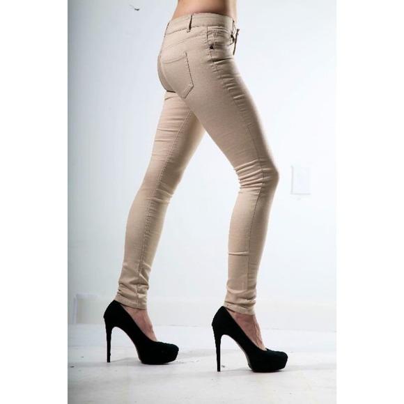 78% off Celebrity Pink Denim - Latte Skinny Jeans size 3 Celebrity ...
