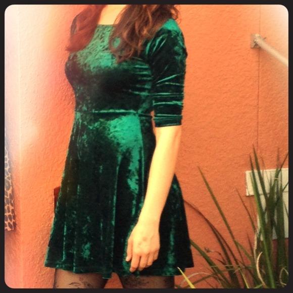c21655aa5a3 Forever 21 Dresses   Skirts - Green velvet skater dress