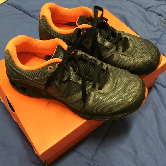 Nike Reax Rocket 2 Size Men 9 5 Good Condition