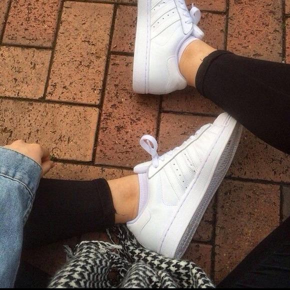 Urban outfitters scarpe adidas superstar 2 poshmark