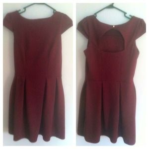 Dorothy Perkins maroon dress