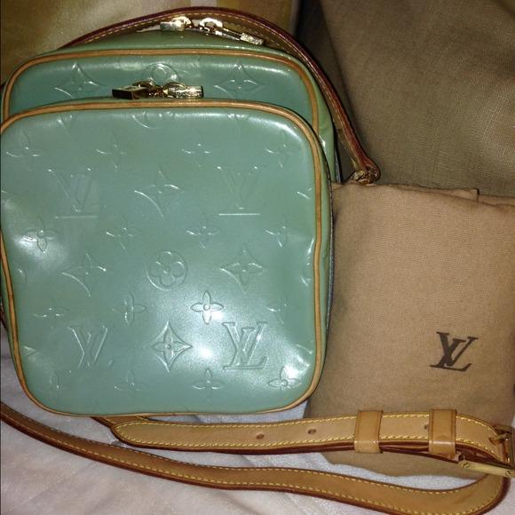 2976bca364e5 Louis Vuitton Handbags - ♍️HP♍ 💯%Authentic Louis Vuitton Vernis Wooster