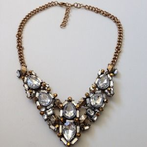 Statement necklace metal & crystals gold crystals