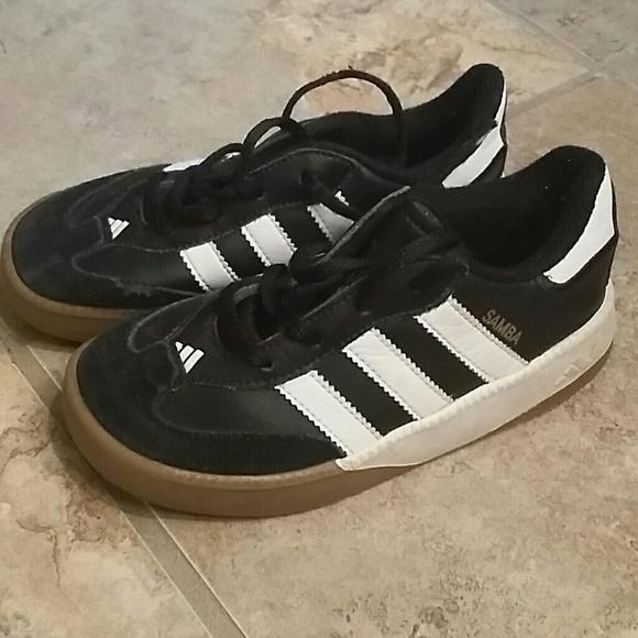 adidas shoes size 10