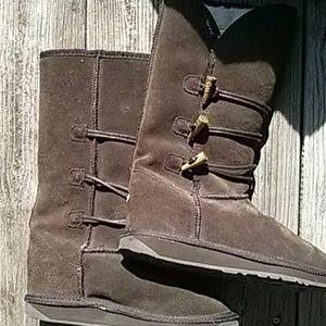 Women's Emu boots 8