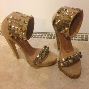 🎀 Jeffery Campbell Kylie stud heels