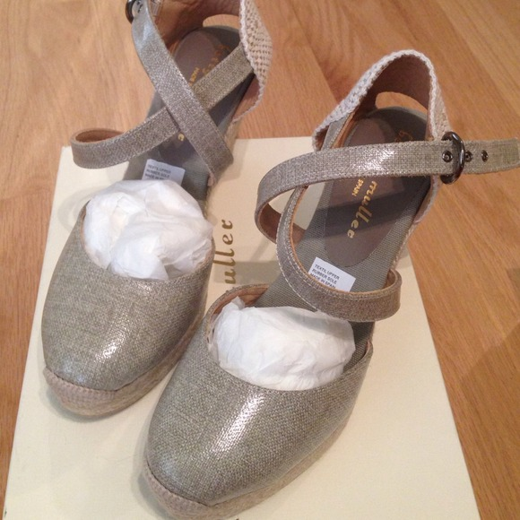 3dc4c8ac9c5 Bettye Muller Katy Bis Grey Espadrille wedge 9