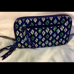 Vera Bradley - pocket book- ☀️SALE!!☀️Black Friday