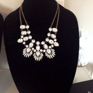 Jewelry - Rhinestone bib necklace