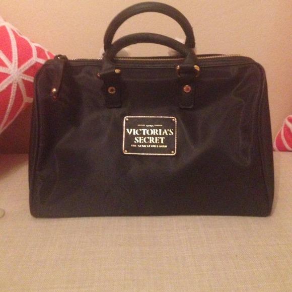 02193874590cc Victoria's Secret Black Nylon Speedy Bag