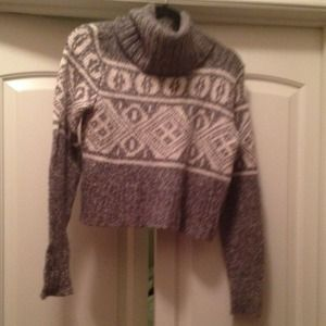 Tribal crop top sweater grey and cream