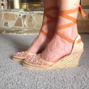 Wedge sandals 10%offPosh Sale!