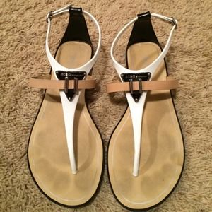 BCBGeneration Shoes - BCBG sandals size 8