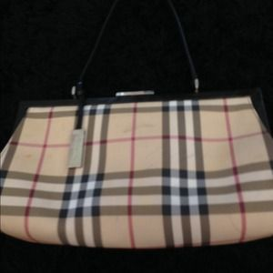 ca0dee0164a0 Burberry Bags - Burberry Purse and Wallet Set