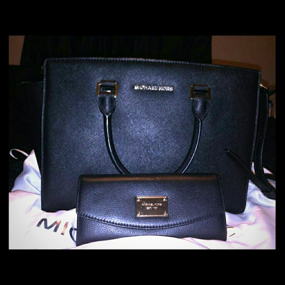 651eac5fa26 Black MK bag   matching wallet. M 541854210fb6cd4d0f0a1b8e. Other Bags you  may like. 🛍MICHAEL KORS🛍