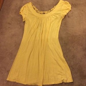 Great yellow top!