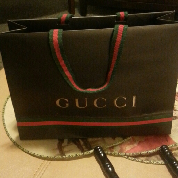 c0b4be8d74 Gucci gift bag