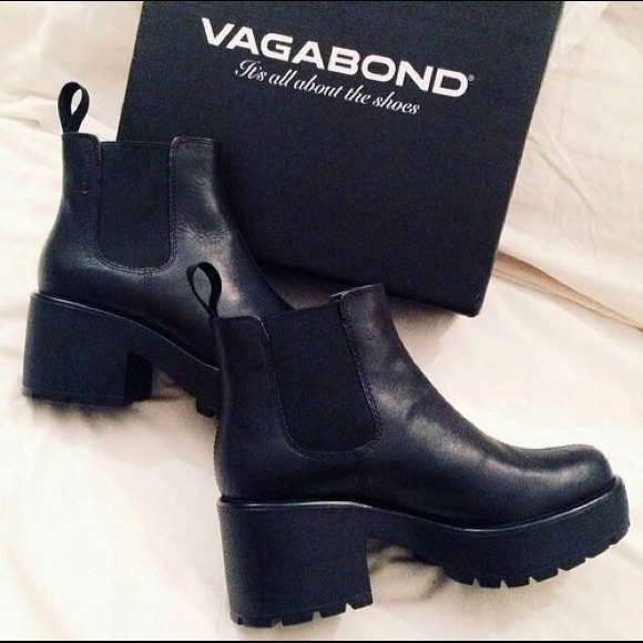 22 off vagabond boots vagabond dioon chelsea boots from. Black Bedroom Furniture Sets. Home Design Ideas