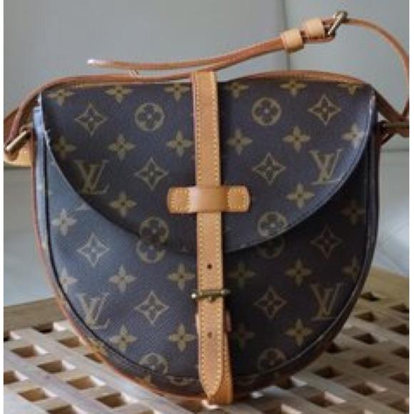 Louis Vuitton Handbags - 🚫RESERVED🚫Louis Vuitton Chantilly Crossbody Bag cd61f296f09f5