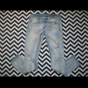 American Eagle Outfitters Light Wash Skinny Jeans