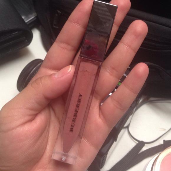 Burberry Other - Burberry lip glow lip gloss 🎀lipgloss