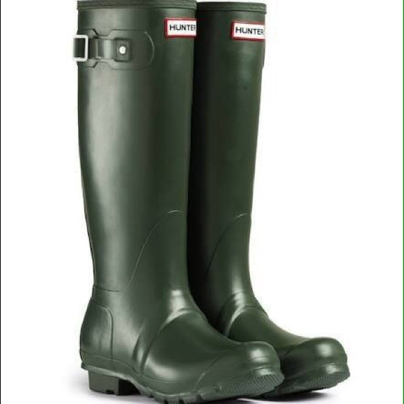 32% off Hunter Boots - Dark green Hunter rain boots from Beta's ...