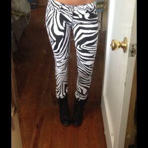 Zebra print stretch skinnies, small, NWT