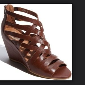 Jeffrey Campbell Zuma wedge in cognac, size 5.5