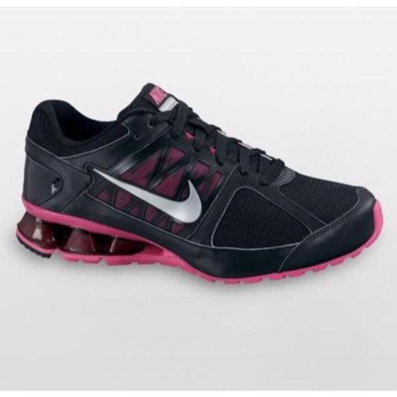 Nike Reax run 6 in Black/Pink