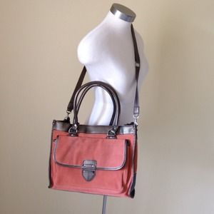 Cooperative Handbags - ⬇️Lovely suede like (leather) versatile bag!