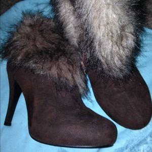Fashion furry brown booties