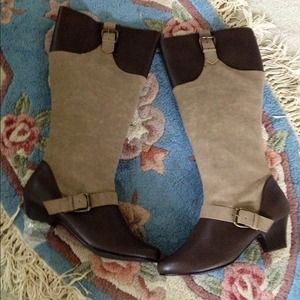 BNIB LEATHER AND SUEDE BROWN AND TAUPE BOOTS