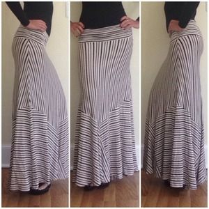 Maeve anthropologie maxi skirt size XS