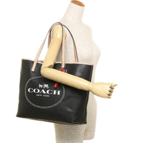 66 off coach handbags coach metro horse carriage leather tote from - Carrage metro ...