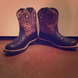 Ariat - Black and White Ariat Fatbaby boots from Fawn&39s closet on