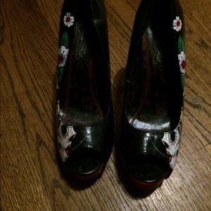 Iron fist day of dead heels size 9