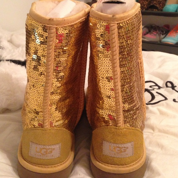Gold Sequin Uggs Gold Sparkle Uggs Size 6