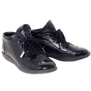 New 100% Authentic Chanel Leather Sneakers 39