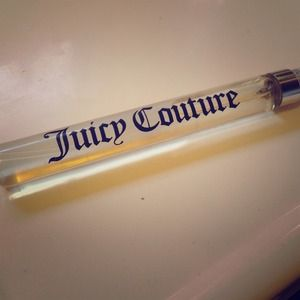 🚫Sold New. Eau De Parfum Spray - Juicy Couture