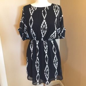 Black/White Francescas Dress