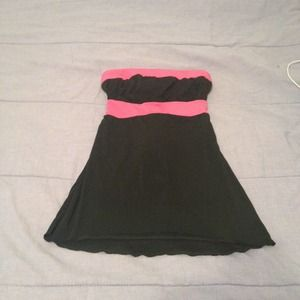 Tops - Pink and black tube top