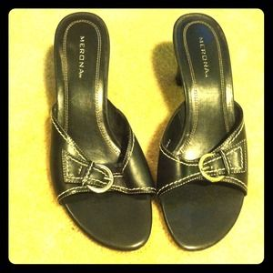 Merona black heels