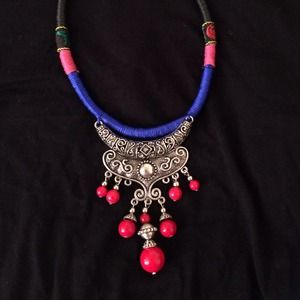 Jewelry - custume hand made tribal vintage necklace