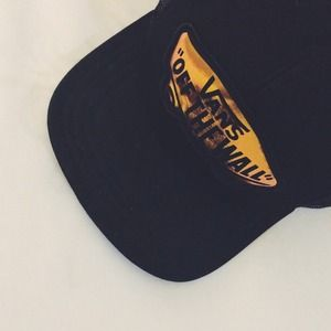 Vans Accessories - Vans Off The Wall Hat